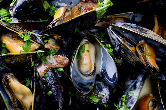 Apple Cider Mussels With Crumbled Bacon
