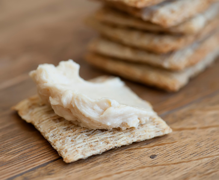 beer cheese on crackers