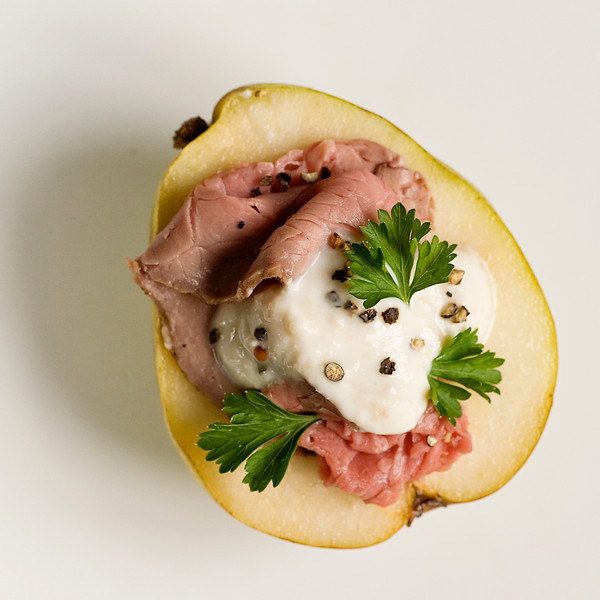 Pears with Roast Beef and Horseradish Cream