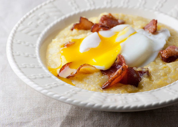 poached eggs with creamy bacon grits